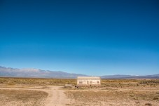 lonely-desolute-house-in-paris-dakar-valley