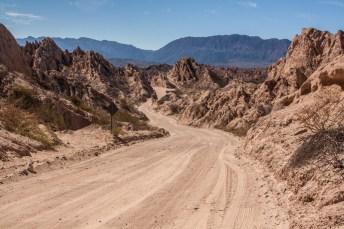 calchaqui-valley-road