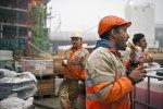 Bauarbeiter wollen lieber arbeiten als pfeifen. bild: keystone