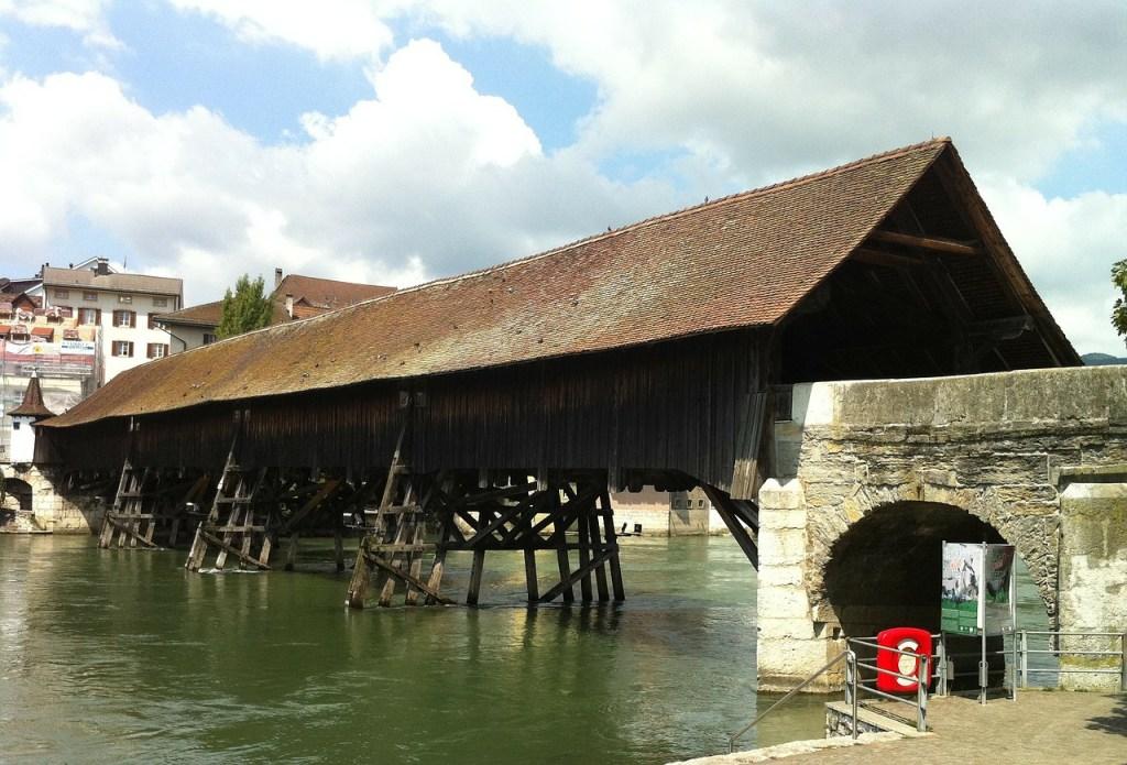 Selbst Brandstiftern zu hässlich: Brücke in Olten.