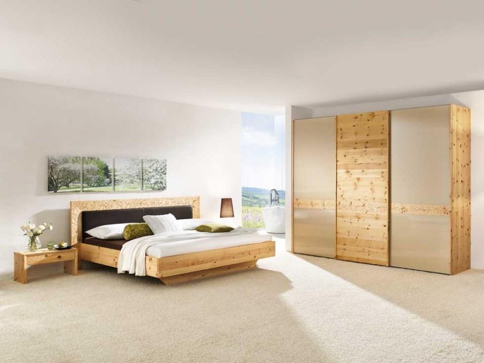 zirbenbett als boxspringbett gesund schlafen mit der zirbe. Black Bedroom Furniture Sets. Home Design Ideas