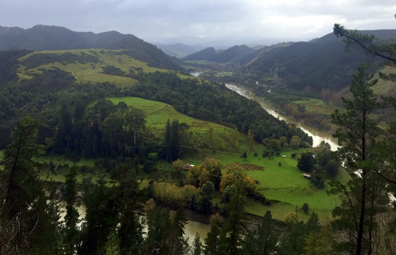 Derek Loudermilk Art of Adventure New Zealand North Island Whanagui River