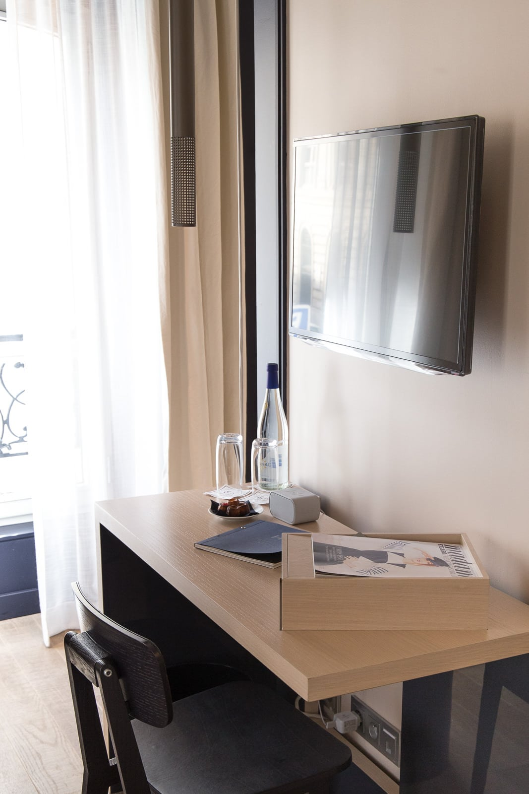 Bluetooth Sessel Übernachten Im Design Hotel: L'hôtel De Nell In Paris