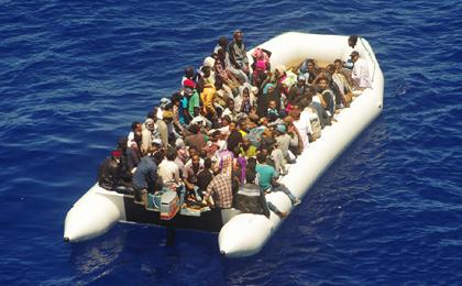 União Europeia iniciará plano militar contra imigração no Mediterrâneo
