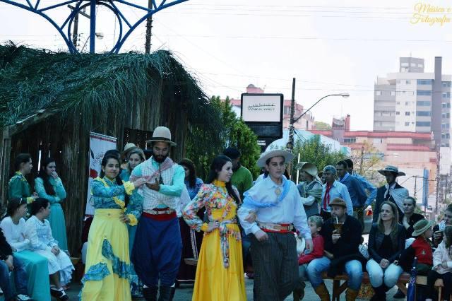 Acampamento Farroupilha retrata o 'outro lado' da Cultura Gaúcha