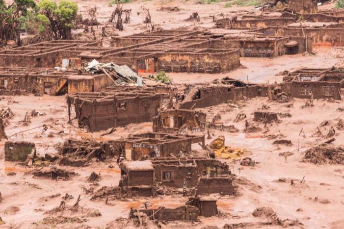 Lama de Mariana: Como o jornalismo é engolido nas grandes tragédias