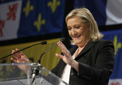 Após vencer eleições regionais na França, Le Pen pede união a projeto da ultradireita