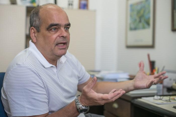 PMDB faz diagnóstico equivocado sobre problemas do país, diz economista