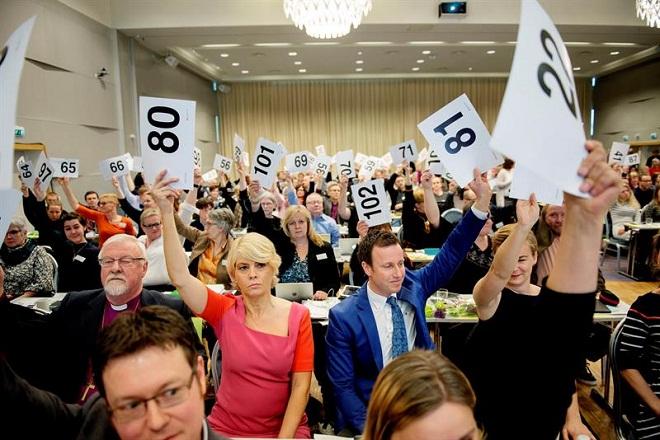Igreja luterana da Noruega autoriza celebração de casamentos gays em seus templos