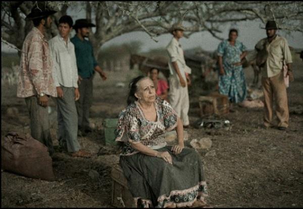 Filme retrata o universo cigano a partir de fábula centrada em mulheres