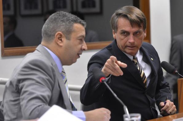Conselho de Ética analisa cassação de Bolsonaro por apologia à tortura