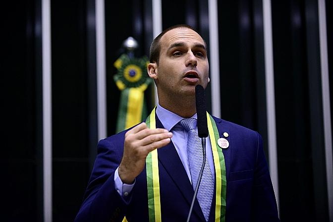 Bolsonaro mente sobre a Funai