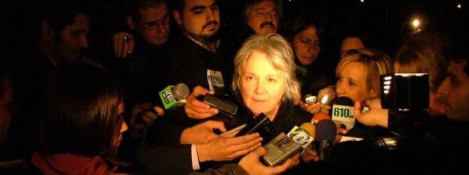 Senadora Lucía Topolansky afirma que o Uruguai tem que aceitar o impeachment de Dilma por estar previsto na Constituição