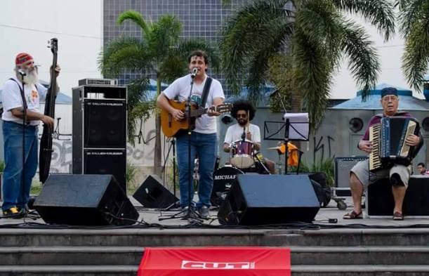 Militante do MAB e integrante da banda Mistura Popular compôs uma canção denunciando crime da Samarco em Mariana.