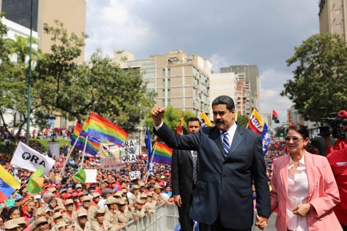 Maduro durante protesto na frente do Palácio de Miraflores. Foto: Agência Efe