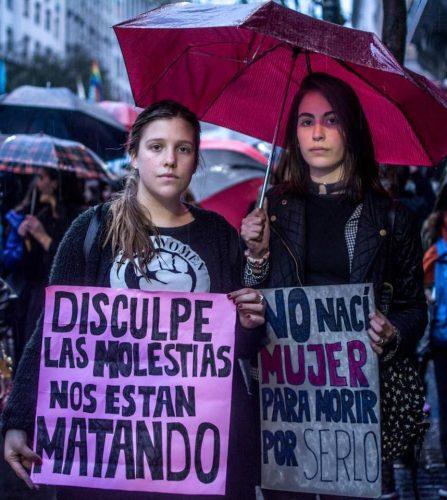 Manifesto lido durante o ato #NiUnaMenos em Buenos Aires