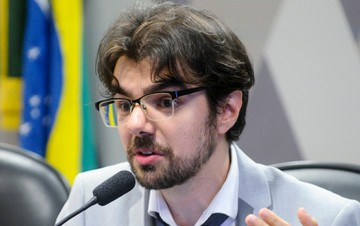 Economistas classificam PEC 55 como injusta, antidemocrática e ineficiente
