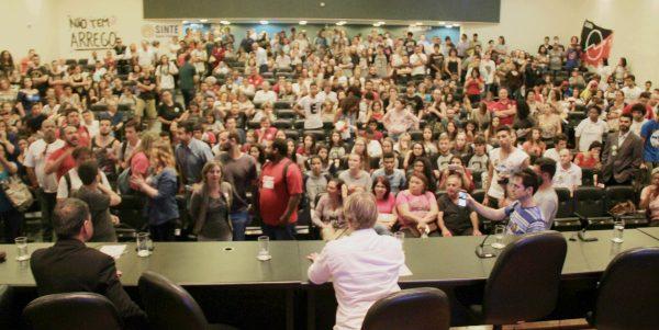 Representante do Ministério da Educação abandona Audiência Pública na ALESC
