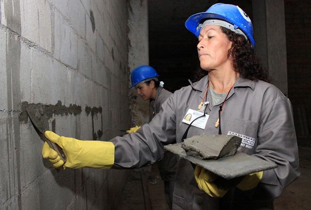 Mulheres serão as mais penalizadas na reforma trabalhista proposta por Temer