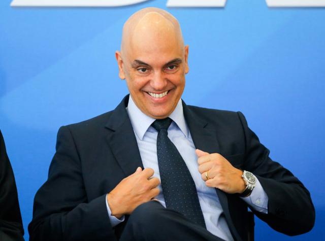 Comissão que vai sabatinar Moraes tem 8 senadores investigados na Lava Jato