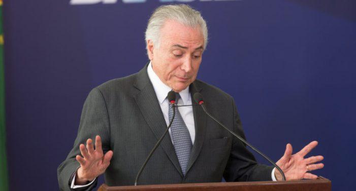 Bancada do PMDB no Senado diz não à terceirização de Temer e Rodrigo Maia