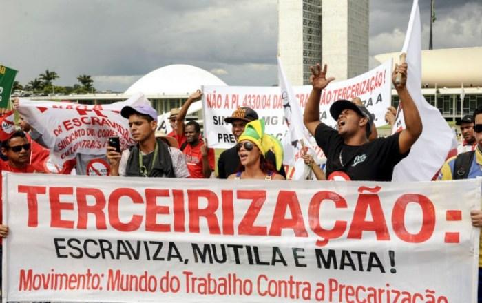 PL da terceirização vai precarizar relações trabalhistas, dizem especialistas