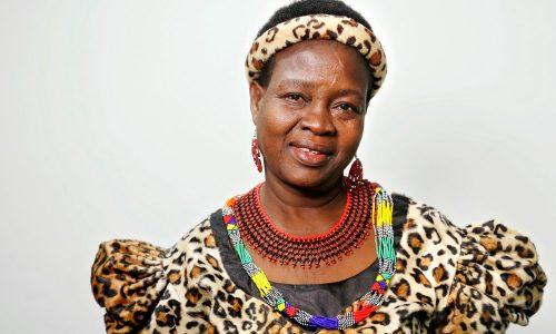Líder feminina no Malawi anula 850 casamentos infantis e envia meninas de volta para a escola