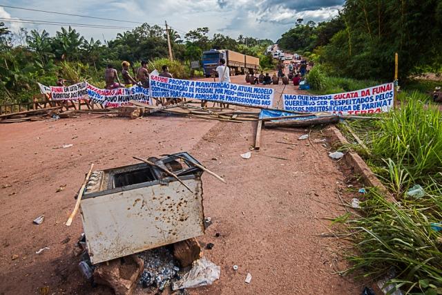 Munduruku seguem com bloqueio na BR-230 e afirmam: só saem com medidas atendidas pelo governo federal