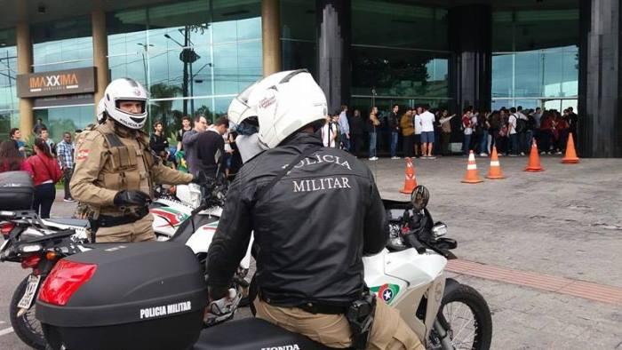 Ao Vivo: Ato de repúdio à visita do Deputado Federal Bolsonaro a Florianópolis tem violência policial