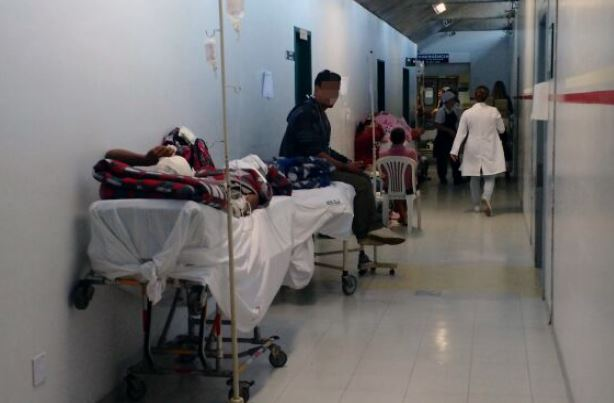 Hospital Regional de São José fecha as portas da emergência por superlotação