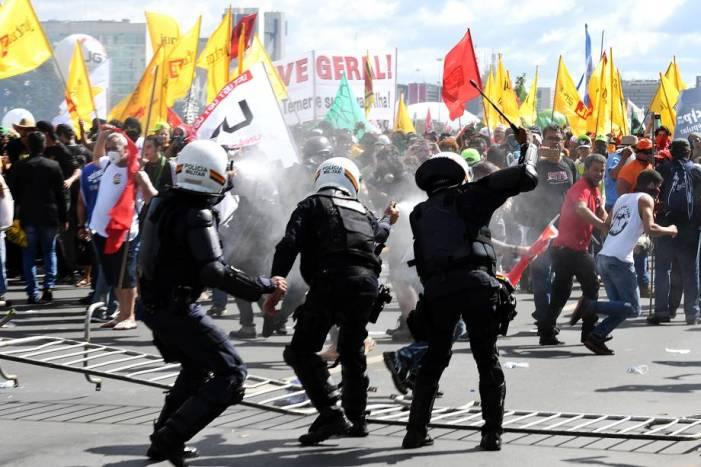 Em protesto contra governo, #OcupaBrasília reúne mais de 150 mil pessoas