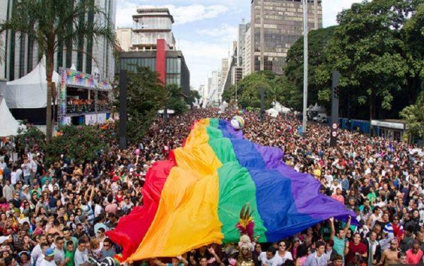 Parada do Orgulho LGBT chama sociedade para se opor ao fundamentalismo