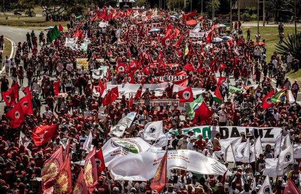 Movimentos sociais organizam-se para greve no dia 30