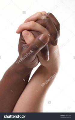 Não é cuidado, é machismo e racismo