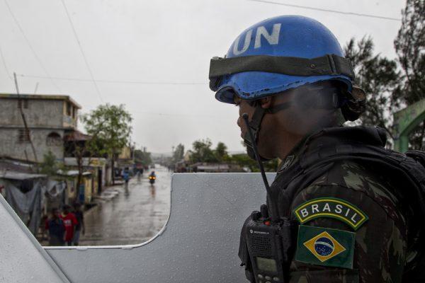 Militarização tipo exportação: o perigo da indústria humanitária brasileira