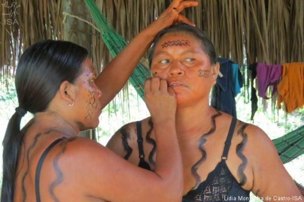 Mulheres Yanomami realizam sua segunda assembleia