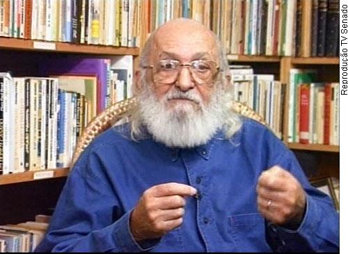 Livro propõe jornalismo baseado nas ideias de Paulo Freire