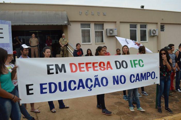 Organizações realizam ato contra tentativa de retirada do IFC do assentamento José Maria