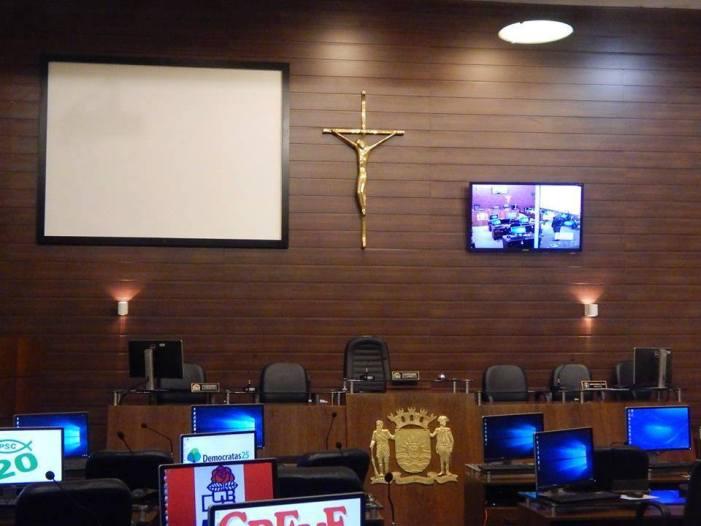 Câmara de Florianópolis é contra a retirada de crucifixo