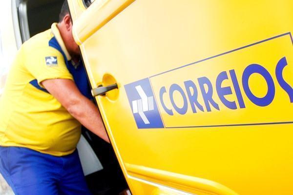 Temer anuncia estudo para privatizar os Correios em meio a greve de mais de 20 estados
