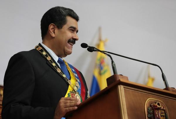 Maduro anuncia aumento salarial de 40% e taxação de grandes fortunas