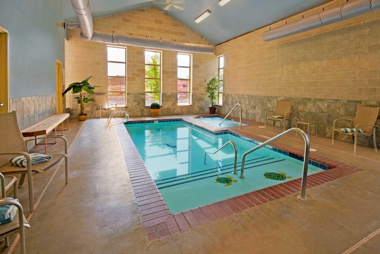 Best Inspiring Indoor Swimming Pool Design Ideas