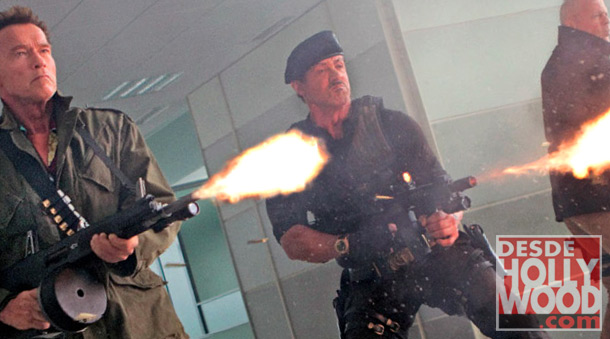 The-Expendables-2-New-Photo-Stallone-Arnold-Bruce-Willis-Los-Indestructibles-Los-Mercenarios