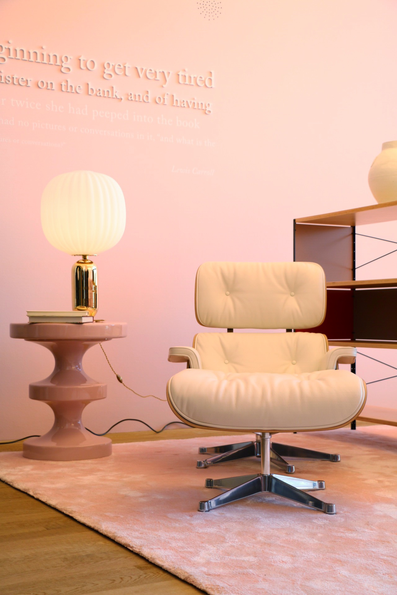 Eames Chair India India Mahdavi Verwandelt Vitra Loft In Alices Wunderland