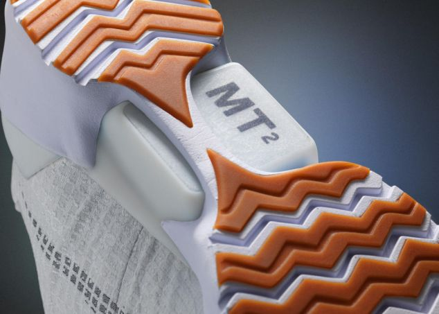 A sensor in the heel detects when the shoes are put on and tightens Image via Nike