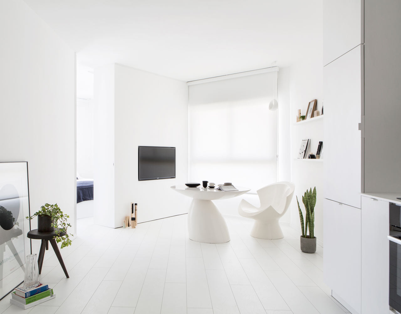 All White Apartment An All White Apartment In Tel Aviv That 39s Anything But