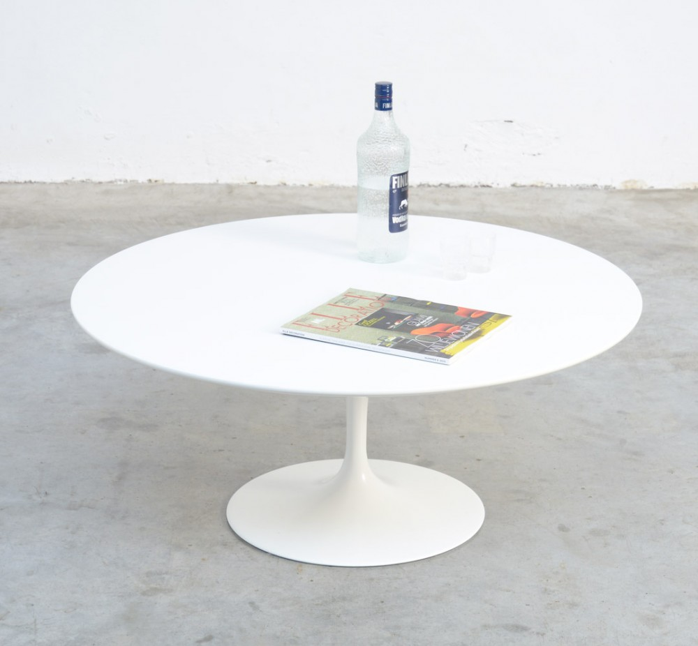 Saarinen Knoll Table Round White Tulip Coffee Table By Eero Saarinen For Knoll Int