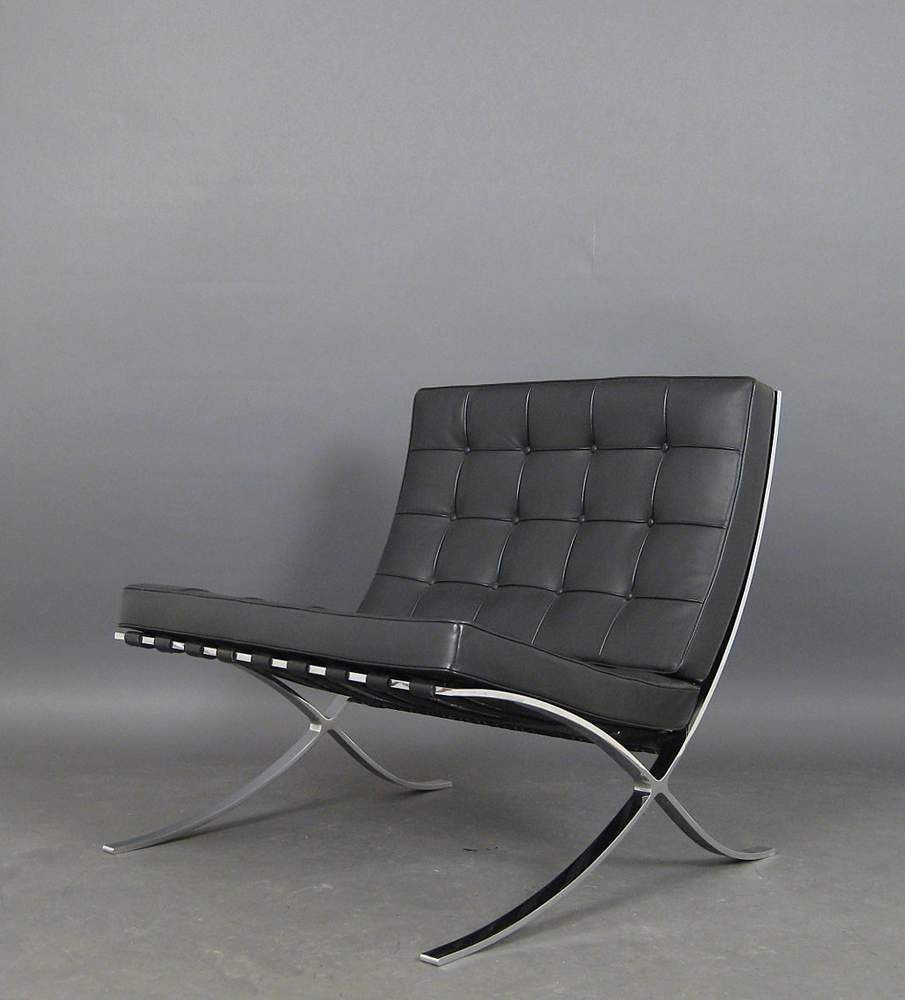 Knoll International L Mies V D Rohe A Lounge Chair Model Barcelona By Knoll