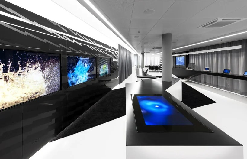 Table Salon Teck Coast Office Architecture: Microsoft Briefing Center
