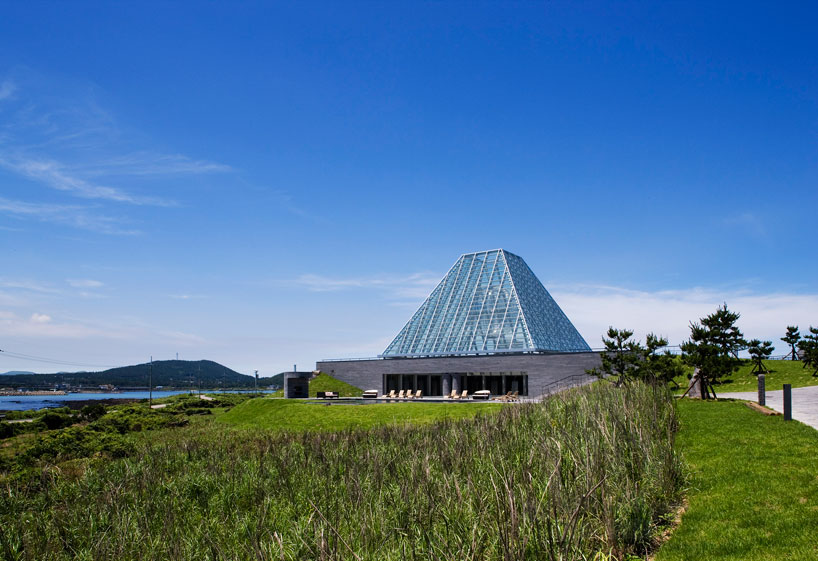 Riva 1920 Mario Botta Raises Club House Agora Out Of Jeju Island